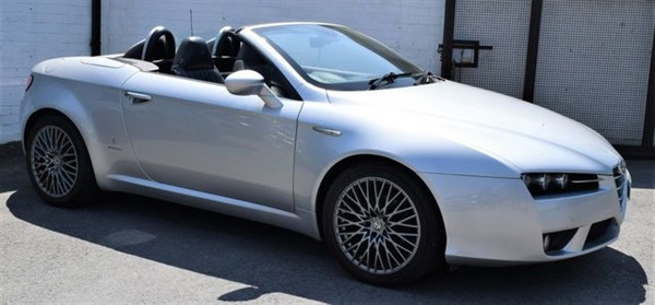 Large image for the Alfa Romeo Spider