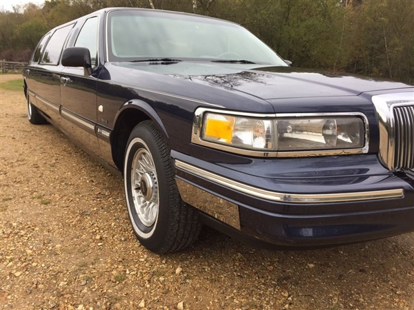 Large image for the Used Lincoln Town Car