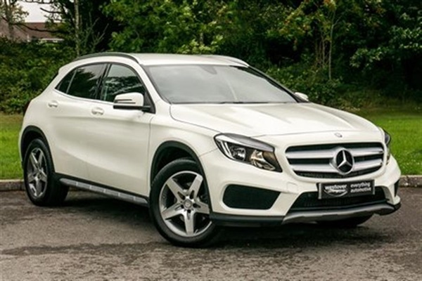 Used 2016 diesel mercedes benz gla class in white 8 129 for Mercedes benz poole