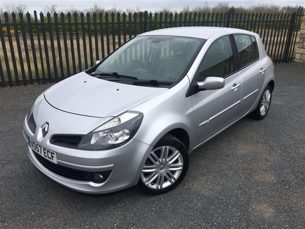 used 2007 renault clio 2 0 vvt initiale 5dr hatchback 77 561 miles in silver for sale in. Black Bedroom Furniture Sets. Home Design Ideas