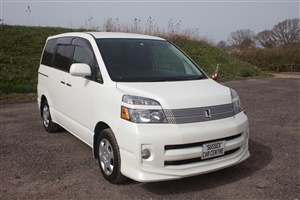 Large image for the Used Toyota Voxy